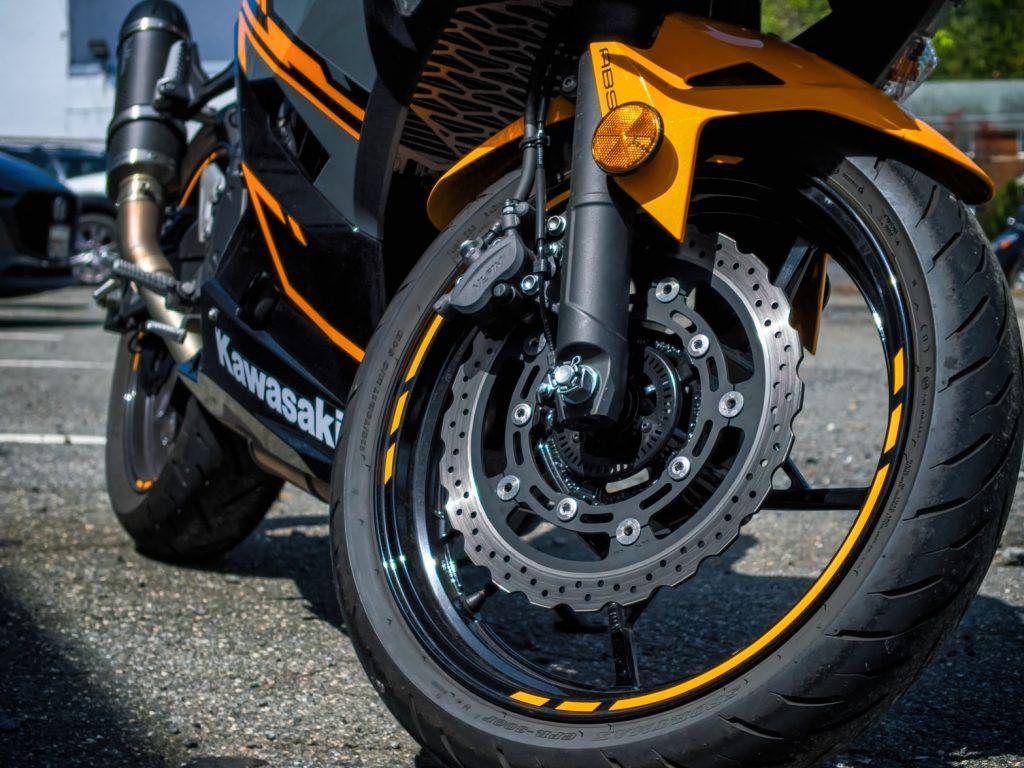 Kawasaki Serwis Mototcykli  - Regeneracja Silnika w Motorach - Diagnostyka i Elektryka